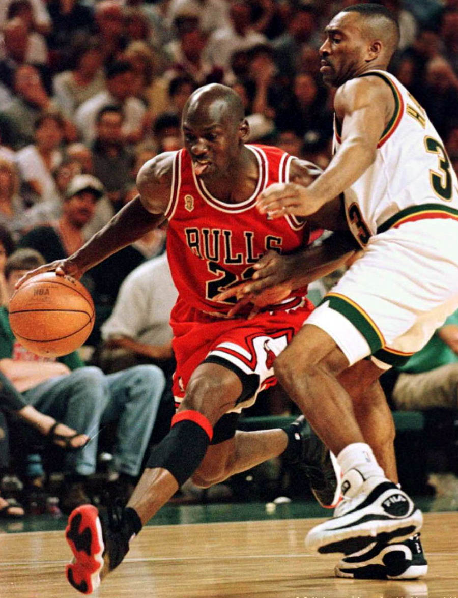 michael-jordan-air-jordan-xi-11-bred-finals-96