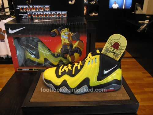nike-zoom-fun-police-bumble-bee-1