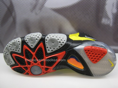 nike-zoom-fun-police-bumble-bee-5