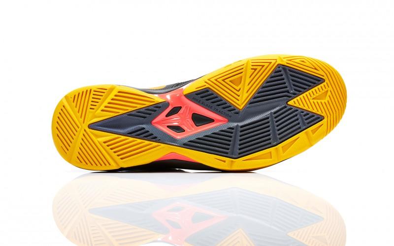 FL_Unlocked_Nike_Zoom_Kobe_Venomenon_4_Black_Gold_05