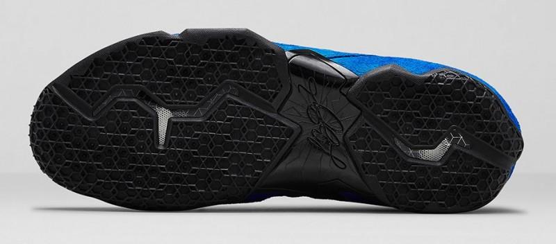 FL_Unlocked_Nike_LeBron_11_EXT_Blue_Suede_07