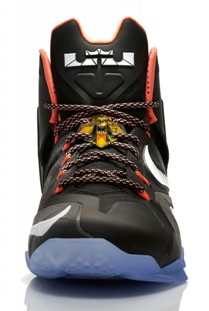 FL_Unlocked_Nike_Elite_Series_Gold_Collection_LeBron_11_06
