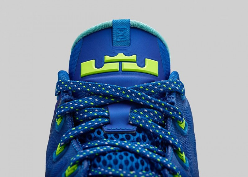 FL_Unlocked_FL_Unlocked_Nike_LeBron_11_Low_Hyper_Cobalt_07
