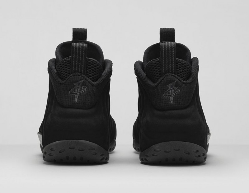 FL_Unlocked_FL_Unlocked_Nike_Air_Foamposite_One_Triple_Black_06