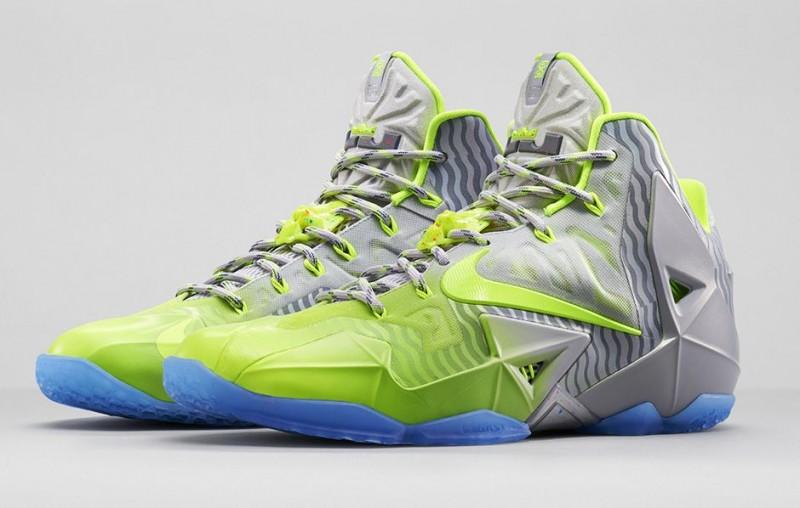 FL_Unlocked_FL_Unlocked_Nike_LeBron_11_Metallic_Luster_01