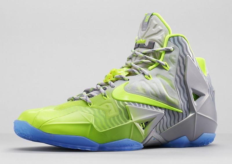 FL_Unlocked_FL_Unlocked_Nike_LeBron_11_Metallic_Luster_03