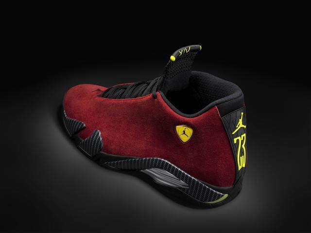 air-jordan-14-red-suede-carbon-fiber-02