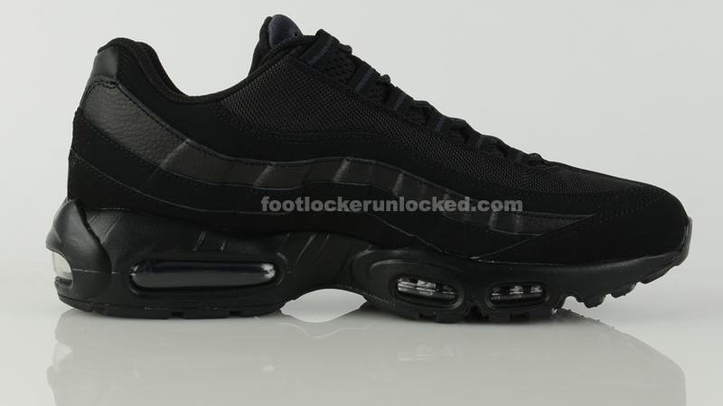 Air Max 95 Black On Feet