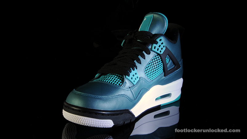 air jordan 4 retro green glow foot locker