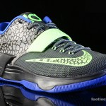 Foot-Locker-Nike-KD-VII-Electric-Eel-3