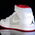 Foot-Locker-Air-Jordan-1-Mid-Hare-5
