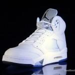 Foot-Locker-Air-Jordan-5-Retro-Metallic-Silver-4