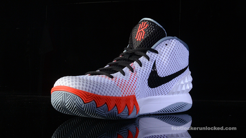 Nike Kyrie 1 Footlocker