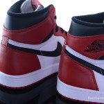 Foot-Locker-Air-Jordan-1-Retro-High-OG-10