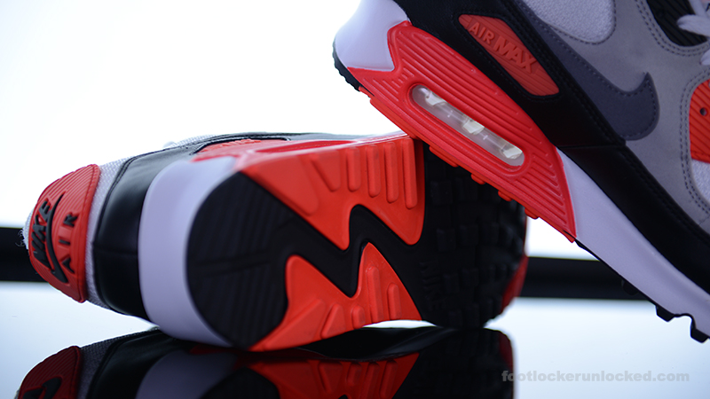 Foot-Locker-Nike-Air-Max-90-OG-Infrared-11