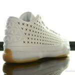 Foot-Locker-Nike-Kobe-X-Mid-EXT-6