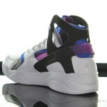 Foot-Locker-Nike-Air-Flight-Huarache-OG-5