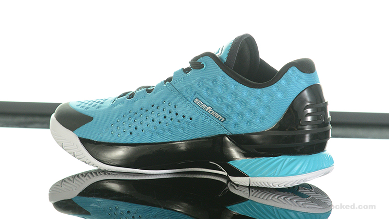Foot-Locker-Under-Armour-Curry-One-Low-Pacific-Blue-5