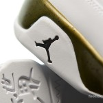 Foot-Locker-Air-Jordan-9-Retro-Statue-10
