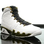 Foot-Locker-Air-Jordan-9-Retro-Statue-3