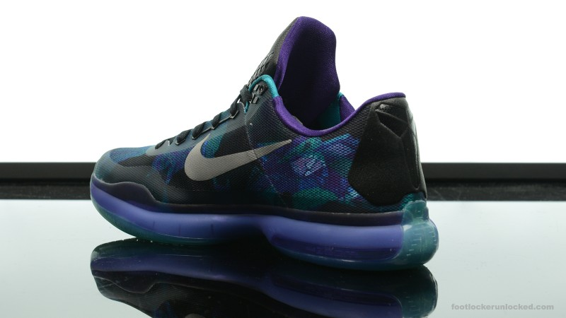 Foot-Locker-Nike-Kobe-X-Overcome-5