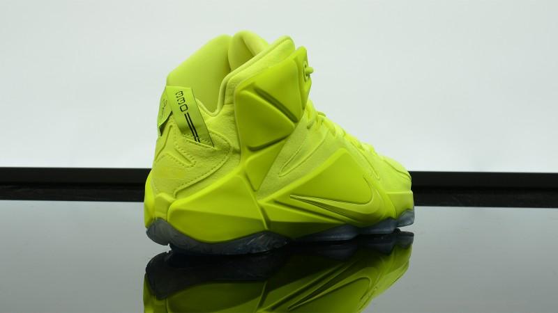 Foot-Locker-Nike-LeBron-12-EXT-Tennis-Ball-4