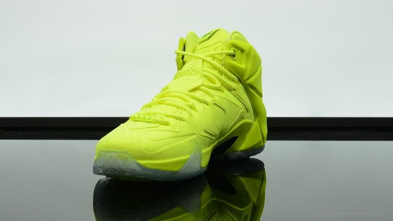 Foot-Locker-Nike-LeBron-12-EXT-Tennis-Ball-6