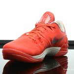 Foot-Locker-Nike-Zoom-Kobe-Venomenon-5-Rise-4
