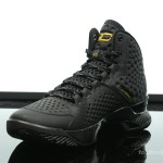Foot-Locker-Under-Armour-Curry-One-Black-and-Gold-Banner-4