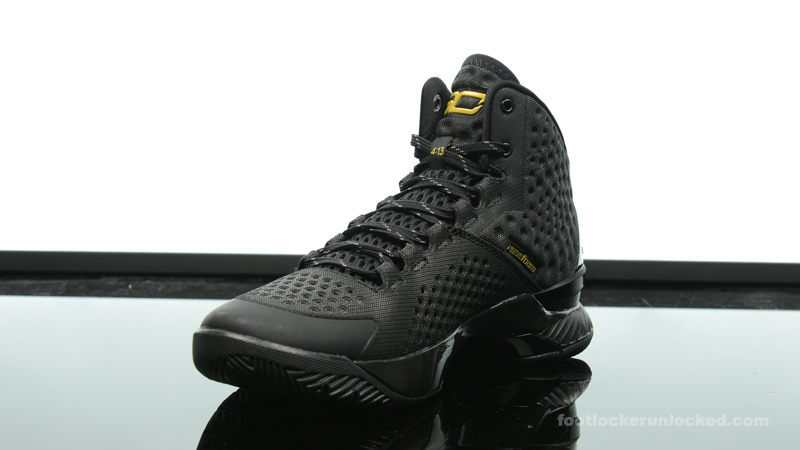 all black under armour sneakers