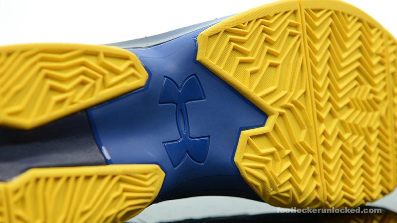 Foot-Locker-Under-Armour-Curry-2-Dub-Nation-8