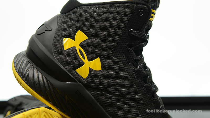 Foot-Locker-Under-Armour-Curry-One-Batman-Championship-Pack-11