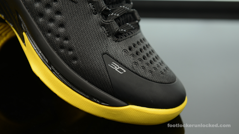 Foot-Locker-Under-Armour-Curry-One-Batman-Championship-Pack-12