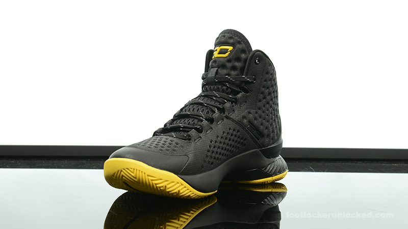 Foot-Locker-Under-Armour-Curry-One-Batman-Championship-Pack-4