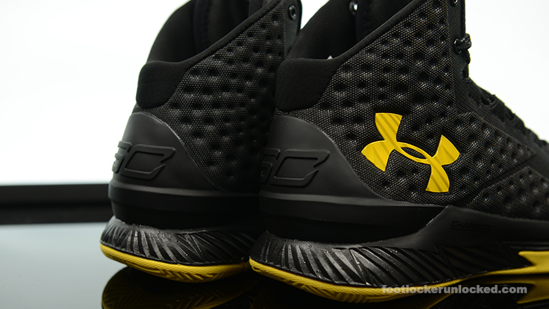 Foot-Locker-Under-Armour-Curry-One-Batman-Championship-Pack-7