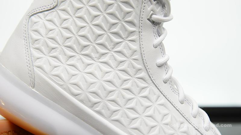Nike-Kobe-X-EXT-White-Metallic-Silver-Gum-11