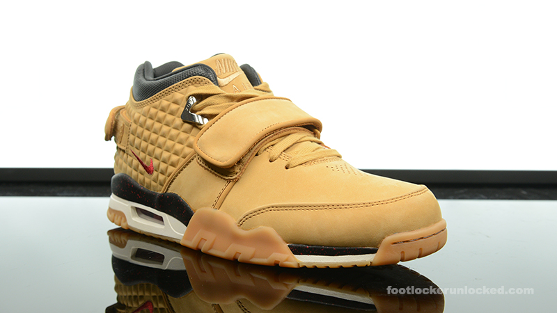 Foot-Locker-Nike-Air-TR-Cruz-Haystack-3