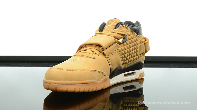 Foot-Locker-Nike-Air-TR-Cruz-Haystack-4