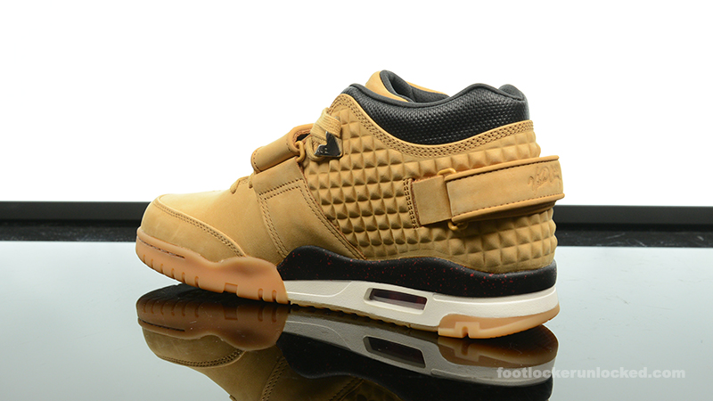 Foot-Locker-Nike-Air-TR-Cruz-Haystack-5