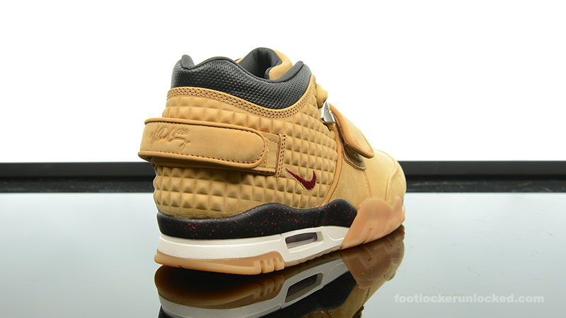 Foot-Locker-Nike-Air-TR-Cruz-Haystack-6