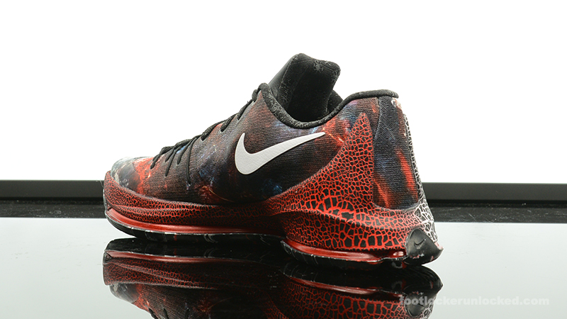 Foot-Locker-Nike-KD-8-Christmas-5
