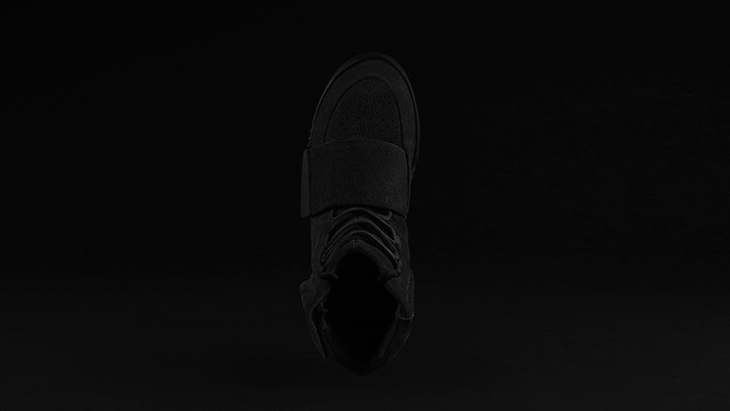 Foot-Locker-adidas-Originals-Yeezy-750-Boost-Black-5