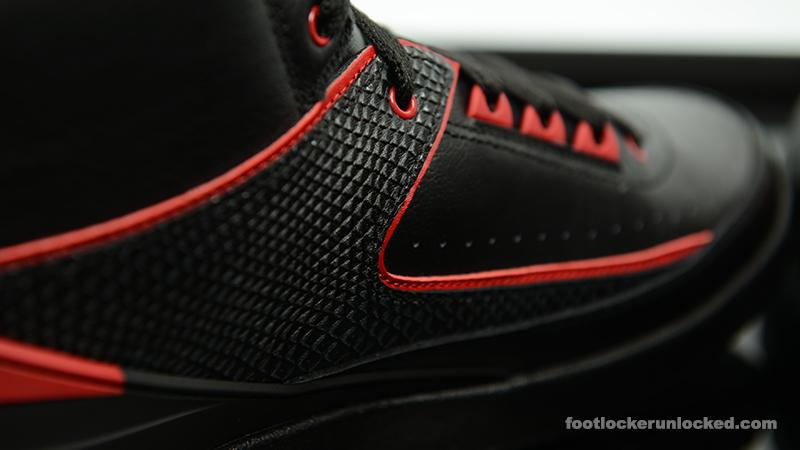 Foot-Locker-Air-Jordan-2-Retro-Alternate-87-7
