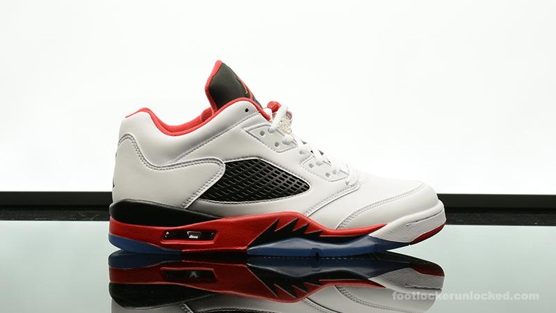 Air Jordan 5 De Casier À Pied En Daim Rouge Rétro