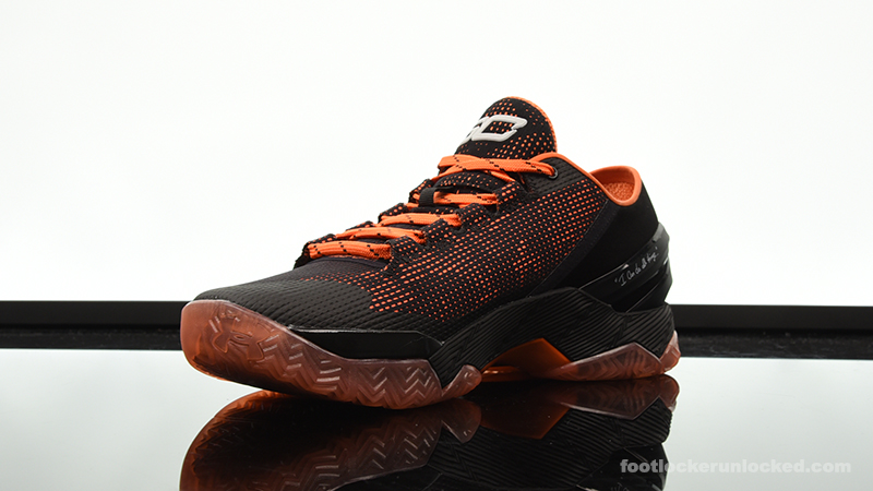 Foot-Locker-Under-Armour-Curry-2-Low-Giants-4