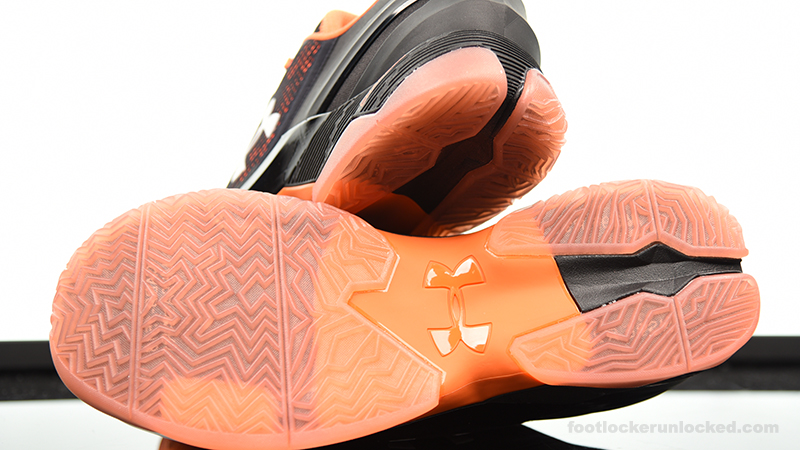 Foot-Locker-Under-Armour-Curry-2-Low-Giants-7
