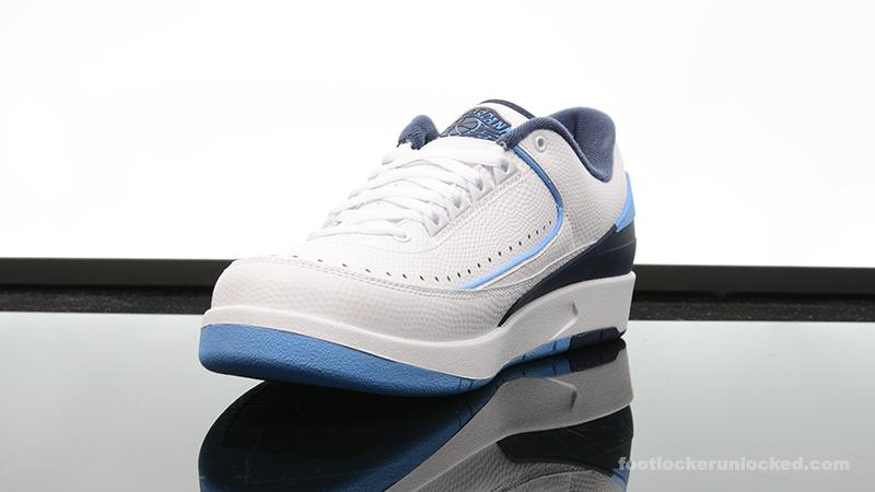 Foot-Locker-Air-Jordan-2-Retro-Low-Midnight-Navy-4