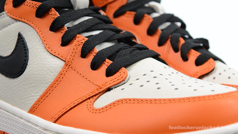 Foot-Locker-Air-Jordan-1-Retro-High-OG-Shattered-Backboard-Away-8