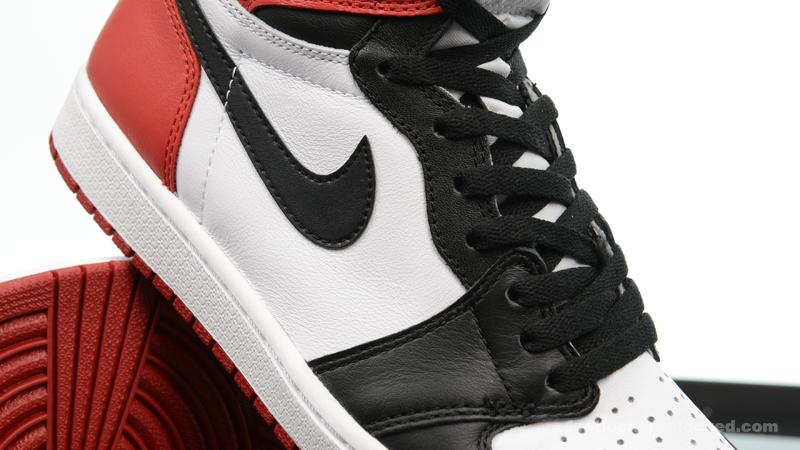 Foot-Locker-Air-Jordan-1-Retro-High-OG-Black-Toe-8