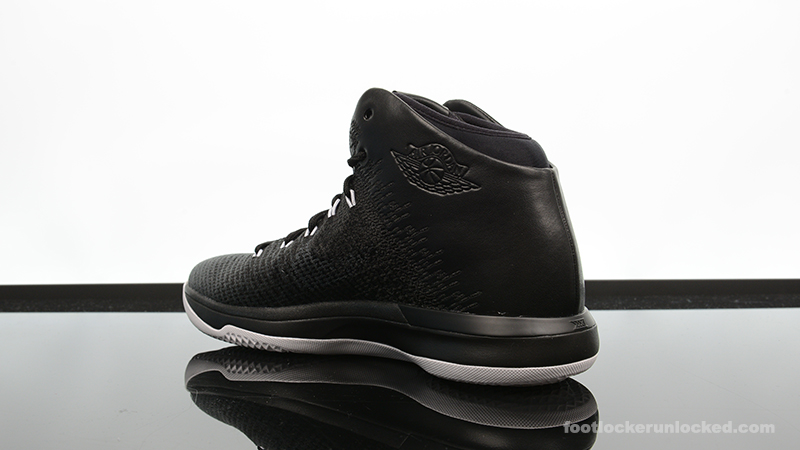 Foot-Locker-Air-Jordan-XXX1-Black-Cat-5